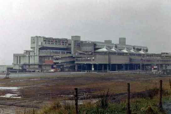 Centrum Cumbernauld, proj. Geoffrey Copcutt 1955, fot. C.E. Fudge via Retronaut